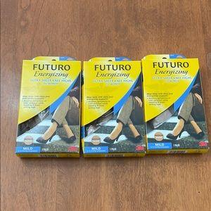 FUTURO energizing ultra sheer knee highs